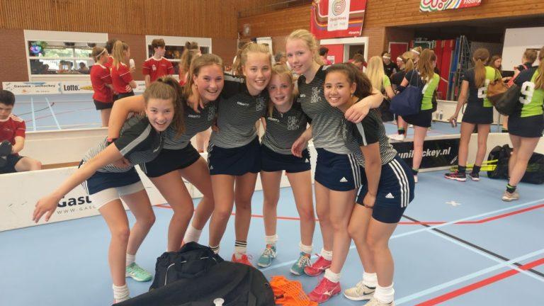 Meisjes klas 3-4 opnieuw Nederlands kampioen floorball