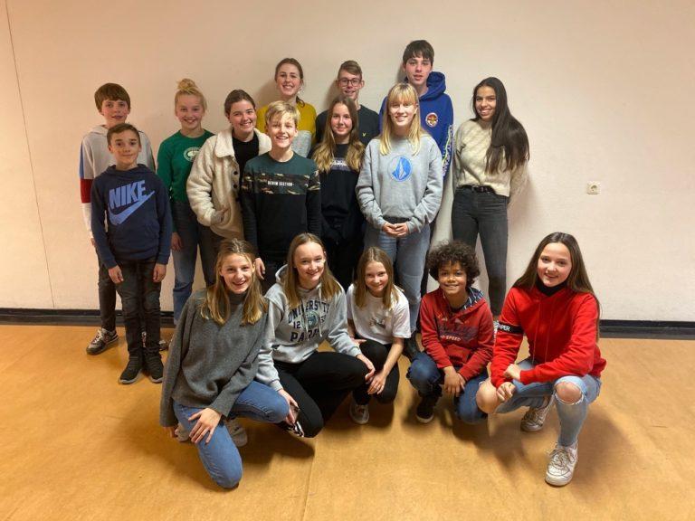 Leerlingen Jenaplan OSG Sevenwolden zamelen geld en cadeautjes in voor zieke kinderen